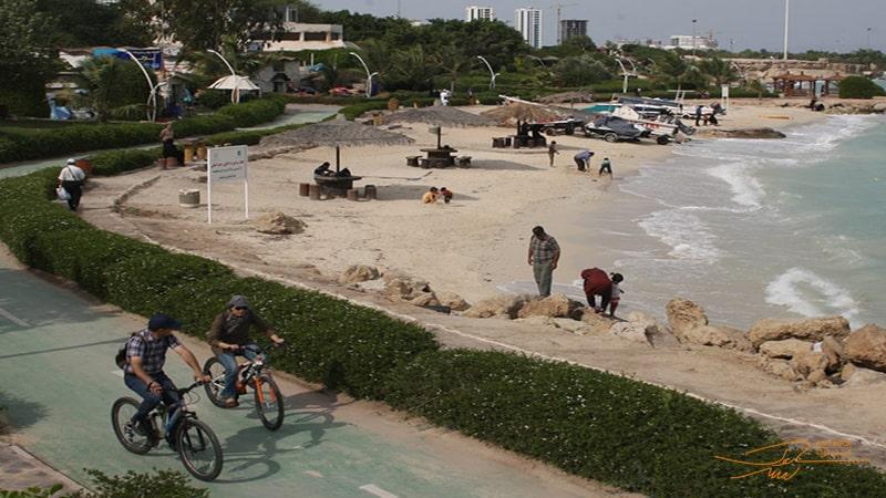 تفریح در پارک ساحلی مرجان