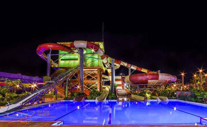 پارک آبی اوشن در شب